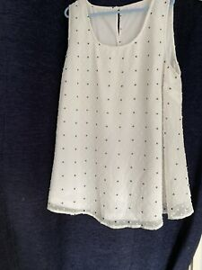 maternity top size 22 White And Black With Lining