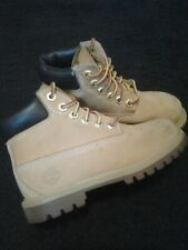 Timberland Wheat / Nubuck boots ~unisex~ boy or girl kid's size 10