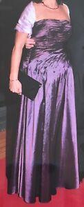 Wunderschönes Ballkleid - Abendkleid - lang in Größe 38 - Pflaume