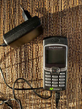 Vintage Sony Ericsson Movistar Cell Phone With Charger