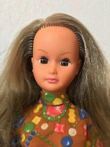 Marilyne, rare copine de Dolly de GéGé