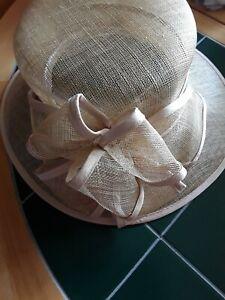 LADIES FORMAL BEIGE STRAW FORMAL HAT, WEDDINGS SIZE 22IN INNER RIM  Ref  1094