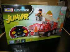 Revell Control Junior 2-Kanal Feuerwehr Leiterfahrzeug mit 40 MHz Fernbedienung