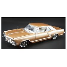 ACME – 1/18 Scale 1964 Buick Riviera in Bronze Mist Diecast Model Replica