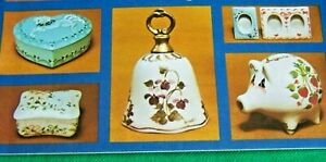 PORCELAIN PRETTIES BY ANNIE RICHARDSON 1982 ACRYLIC GLASS, CHINA  PAINT BOOK