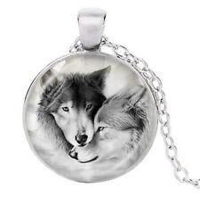 Collier pendentif imprimé couple Loup, chaine argenté.