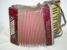 Bello vecchio Fisarmonica, Traviata Deco