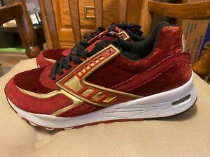 RARE! Brooks Maroon Velvet Black Gold Running Shoe Sneaker 1102051D662 SIZE 10!