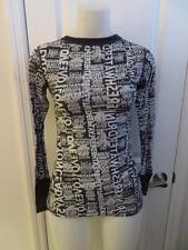 WOMENS MACY'S GRAY,WHITE DESIGNED LONG SLEEVE ATHLETIC TOP W/THUMB HOLES SIZE S