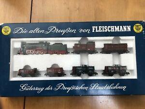 FLEISCHMANN N 7884 - Ensemble de trains : 1 loc 6 wagons TBE + boîte d'origine