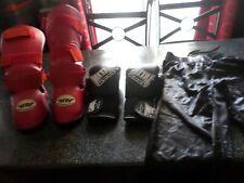 TENU BOXE AMERICAINE (protection pieds jambes-gants-pantalon) Taille M