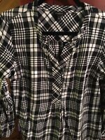 TALBOTS Plaid Flannel Popover Top Women's M 1/2 Button Shirt Top Black White