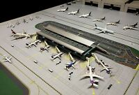 GEMINIJETS GJARPTB 1/400 AIRPORT TERMINAL SET INC 7 X AIR BRIDGES, LIGHTING ETC