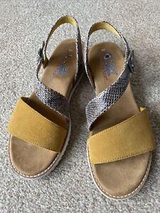 Skechers Bobs Sandals Mustard Size 6