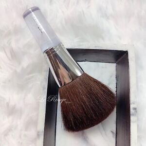 Clinique bronzer blender / Powder Brush brand new natural hair $38