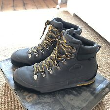 The North Face Back-To-Berkeley Boots Grey Yellow. Mens. Size 9 UK