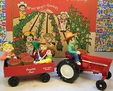 ERTL DIECAST METAL CAMPBELL SOUP BRAND FARM TRACTOR, TRAILER WITH FOUR FIGURES