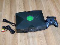 Microsoft Original Xbox Console Bundle! XBOX! 1 CONTROLLER! W/ ALL CORDS!