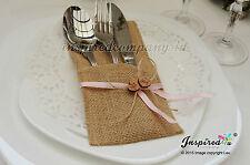 Los titulares de cubiertos de Hesse/Arpillera Plata bolsillos boda cinta de madera corazones