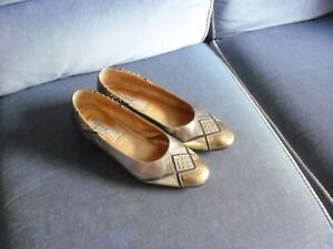 WELL WORN ROMA WOMANS SHOES BLOCK HEEL SIZE 4 1/2