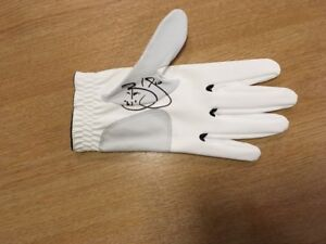 CALLAWAY GOLF GLOVE SIGNED BY BRANDEN GRACE MAJOR COURSE RECORED 62 WITH COA