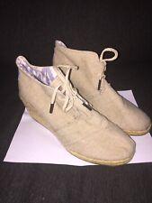 Toms Desert Wedge Boots Booties Sz 9.5W Chukka Ankle Jute Raffia Tan Linen