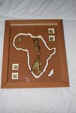TABLEAU THEME AFRIQUE EN BOIS PERSONNAGES EN LAITON TRES BON ETAT