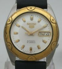 Vintage Seiko 5 Japan 7S26-6030 21J Automatic Steel Day Date Men's Wrist Watch