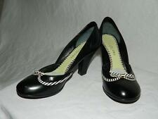 Marc Jacobs Classic Black Leather Round Toe Pumps w/White Tie Details, Size 6.5
