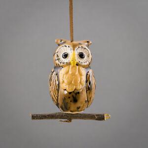 Keramik Eule hängend auf Holzzweig  in braun-gelb / Tangoo