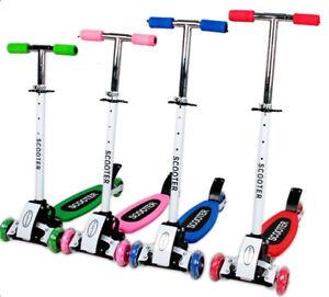Kids Kick Push Scooter Adjustable Tilt Lean  Flashing LED 3-Wheel Child Scooter