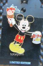 Disney Cast Member 100 Years of Magic - Figurine Pins Mickey Paint Pin