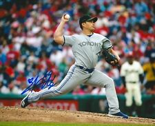 SEUNG HWAN OH signed 8x10 photo TORONTO BLUE JAYS WITH COA A
