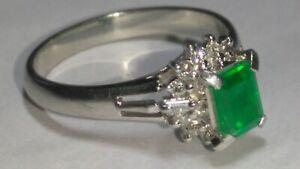 Solid platinum natural emerald and diamond ring 4.94 grams - sz 7