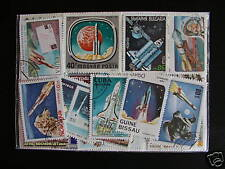 TIMBRES ESPACES / FUSEES : 25 TIMBRES TOUS DIFFERENTS / SPACE ROCKETS STAMPS