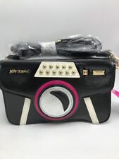 $68 Betsey Johnson Kitsch Get My Good Side Crossbody Bag - S1