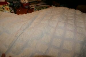 NIB ROYALTY Chenille Bedspread Ivory QUEEN 100% cotton VERY NICE