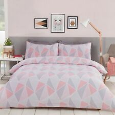 "Rapport ""Leo"" Geometric Reversible Duvet Cover Bedding Set Pink"