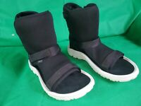 Ugg Teva Collaboration Hybrid Sheepskin Mid calf Open Toe Boots Women's SZ 8/39