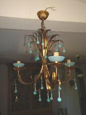 JOLI LUSTRE.PAMPILLES EN OPALINE BLEU.Luster,chandelier,goutte.Murano,années 50.