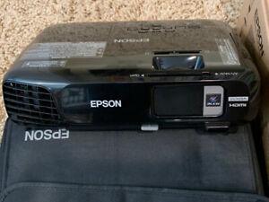 Epson EX7220, WXGA wireless digital projector - lightly used