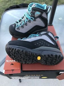 NEW Simms Women's Vapor Tread Wading Boot size 5 Vibram rubber fishing