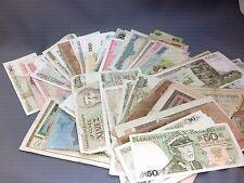 Lot de 100 billets du Monde (1)