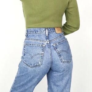Women`s Vintage Levi`s 550 High Waist Relaxed Fit Mom Jeans UK 14 / W34 L30