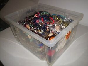 LARGE 12 kg JOB LOT OF OF MIXED COSTUME JEWELLERY NECKLACES BRACELETS EARRINGS