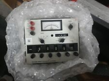 Fluke 895A Dc Benchtop Differential Electrical Voltmeter 1-1000 Tvm Multi-Range
