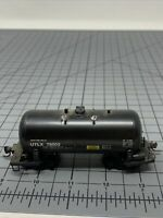Walthers HO Scale UTLX Single Some Tank Car For Repair P1
