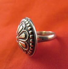Ring Sz.7, Mexico C-11 (1057) Sterling Circular Dome w Flower Pattern,