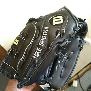 12 1/2 NEW MIKE  SIROTKA #33 Wilson A2000 PRO stock pitcher's grove leather