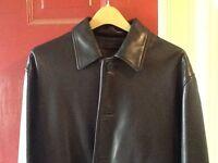Roundtree and Yorke - Black Leather coat Lambskin Men's Medium Gently used